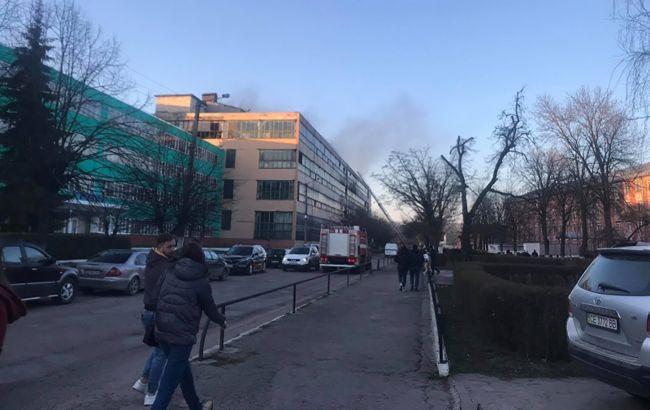 """В Черновцах масштабный пожар на заводе """"Розма"""""""