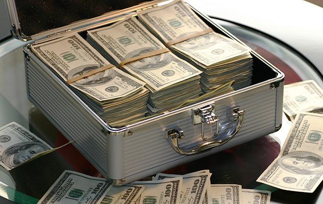 Курс доллара на межбанке в 12:35 уменьшился до 26,10 грн/доллар
