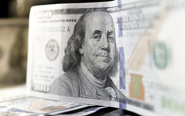 Курс долара на міжбанку перевищив 27,70 гривень за долар