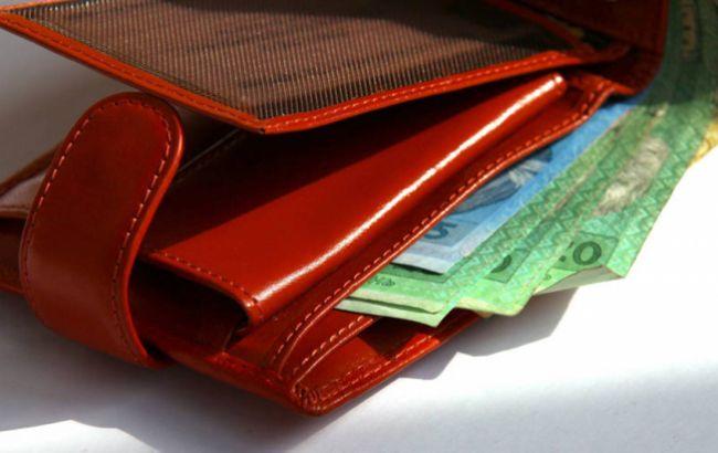 Кабмін пропонує підвищити мінімальну зарплату на 550 гривень