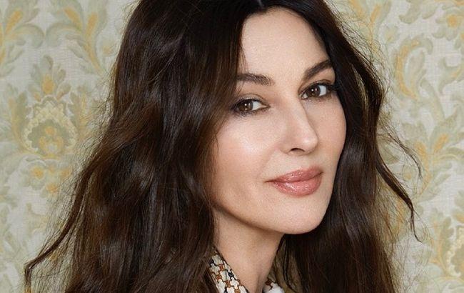 Ни единой морщинки: 56-летняя Моника Беллуччи покорила красотой на фото крупным планом