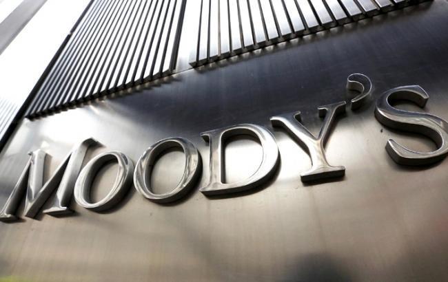 Moody's впервые за два года повысил рейтинг Греции