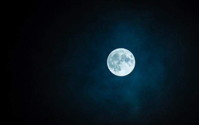 Фото: Луна (pixabay.com/ru/users/rkarkowski)