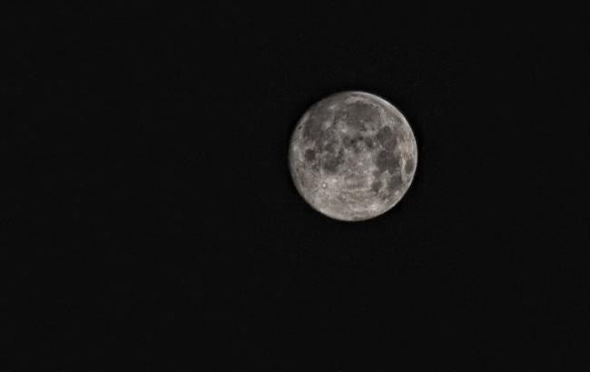 Фото: Луна (pixabay.com/ru/users/PeterDargatz)