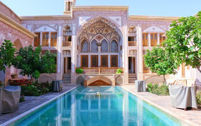 Спустя 20 месяцев строгого локдауна. Страна Среднего Востока открывается для туристов