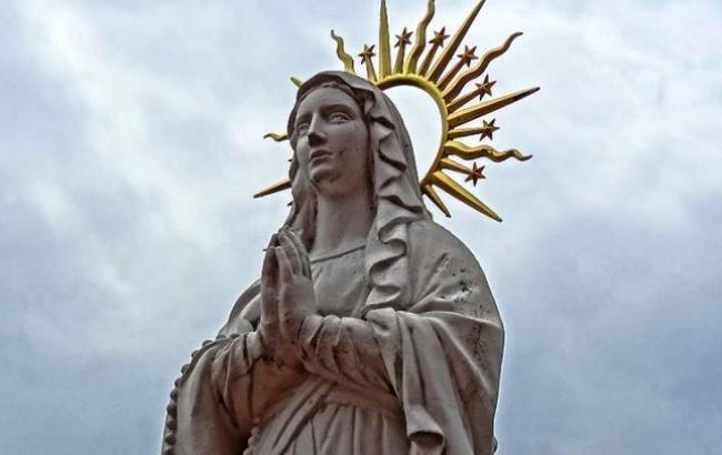 Фото: Статуя Пресвятої Богородиці (mlady.net)