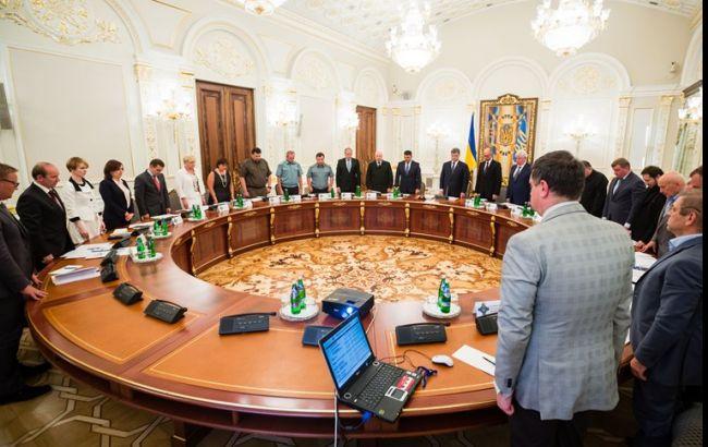 Порошенко: следствие должно найти политических заказчиков событий под Радой