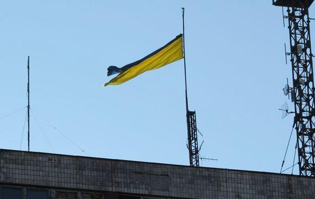 Приспустили прапори: у Маріуполі тужать за мером Гданська
