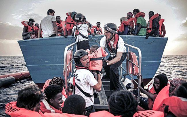 ЕС возвратит  домой 15 тыс.  беженцев, которые находятся вЛивии