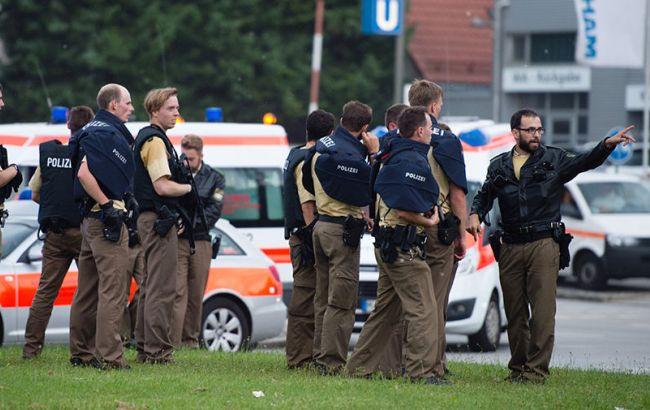 Фото: полиция продолжает спецоперацию в Мюнхене