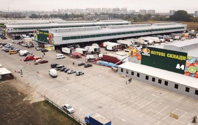 """Суд открыл дело о банкротстве рынка""""Столичный"""" и назначил независимого распорядителя"""