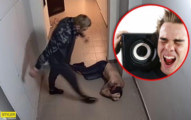 Кровь везде: киевлянин зверски избил соседа за громкую музыку (видео 18+)