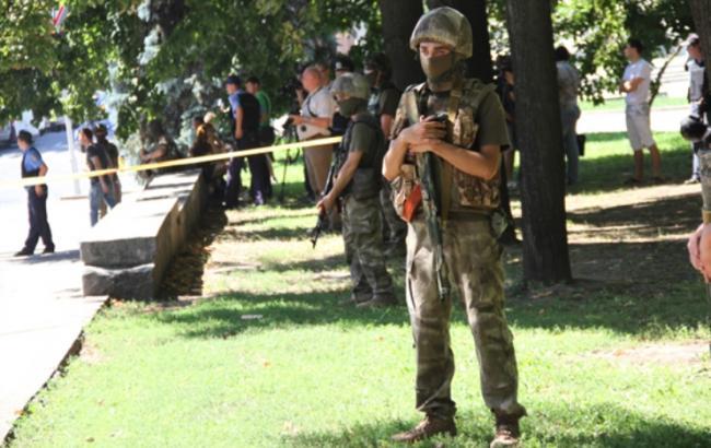 Фото: Міліція локалізувала обстріл Харківського офісу Оппоблока