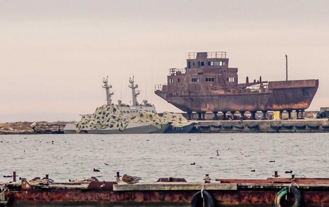 """Пєсков назвав захоплені українські кораблі """"речовими доказами"""""""