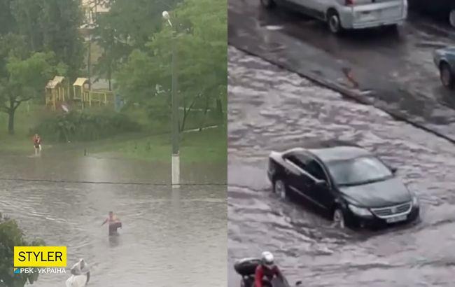 В Одесі злива за 15 хвилин затопила декілька вулиць (відео)