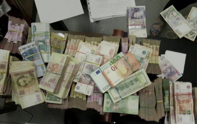 Фото: СБУ изъяла крупную суму денег