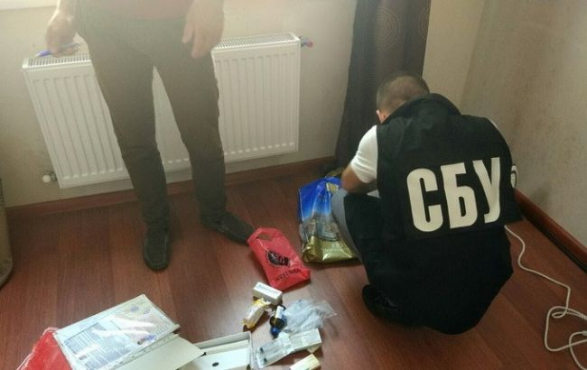 """Фото: у затриманого вилучили матеріали із закликом провести """"референдум"""""""