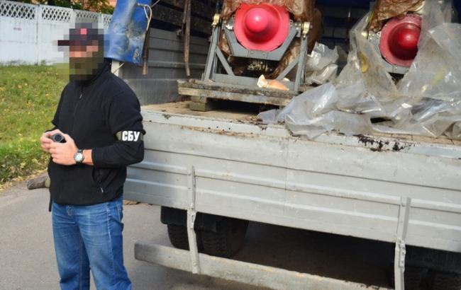 Фото: військовий намагався продати авіадвигуни (ssu.gov.ua)