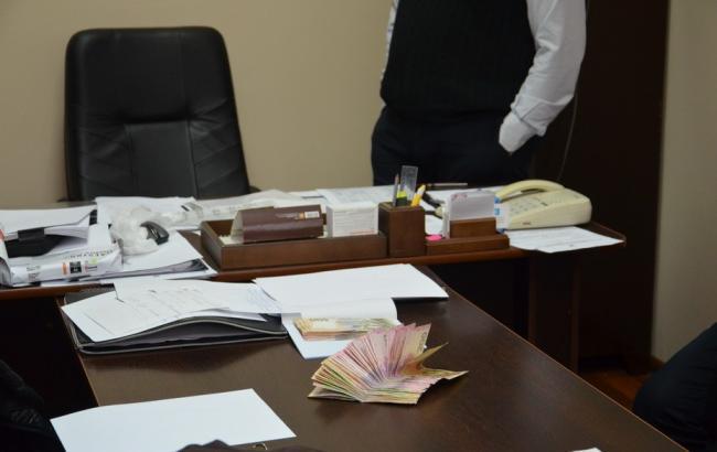 У Івано-Франкіській області на хабарі викрили керівника бюро судмедекспертизив