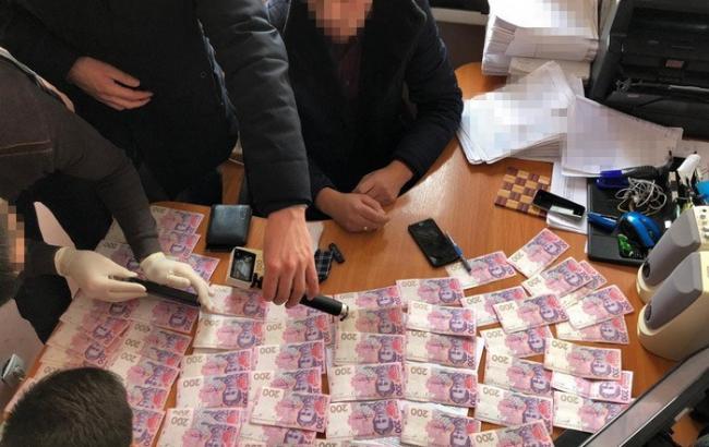 СБУ разоблачила на взятке чиновника ГИС Винницы