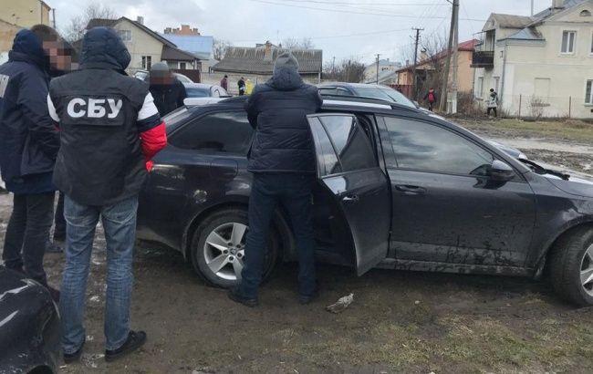 Во Львовской области полицейских заподозрили в сбыте наркотиков
