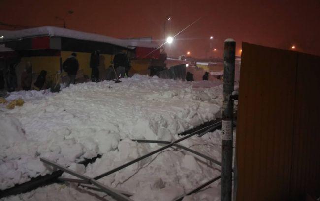 У Харкові унаслідок руйнування торговельного павільйону постраждали 4 людей