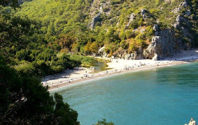 Бархатный сезон в декабре: необычная локация в Турции удивляет туристов