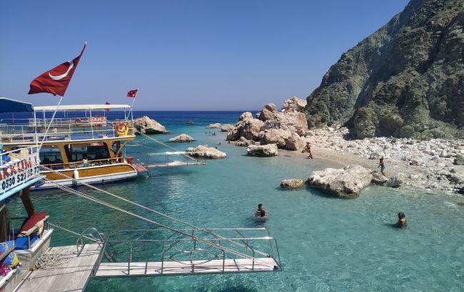 Отели забронированы на 100%: туристический бум на курортах Турции продолжится в сентябре