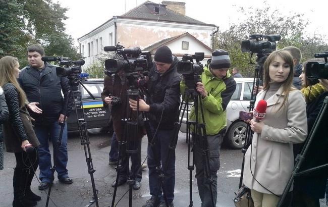 Фото (Erve): возмущенная журналистская общественность Ровно