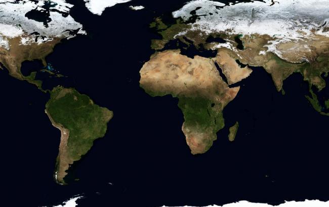 Фото: Земля з космосу (luxfon.com)