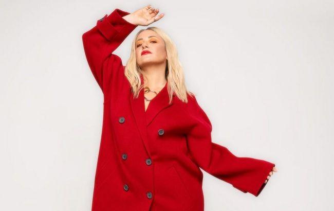 Як у казці: Наталя Могилевська захопила шанувальників зимовим луком на прогулянці
