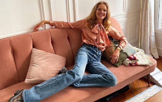 На прогулянку і в офіс: Наталя Водянова показала, як носити ультрамодні джинси кльош