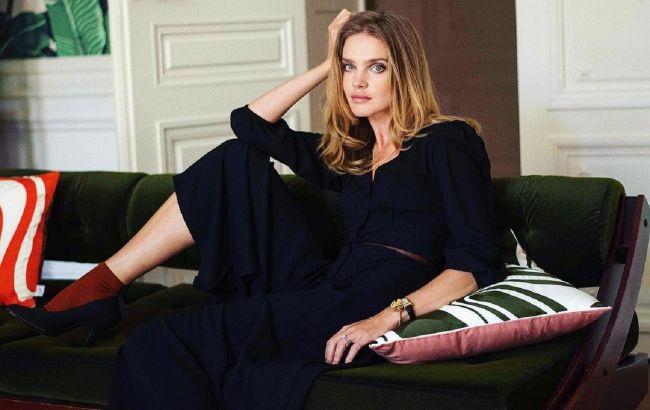 Розкішна простота: Наталія Водянова похвалилася витонченою фігурою в наймоднішому платті зими