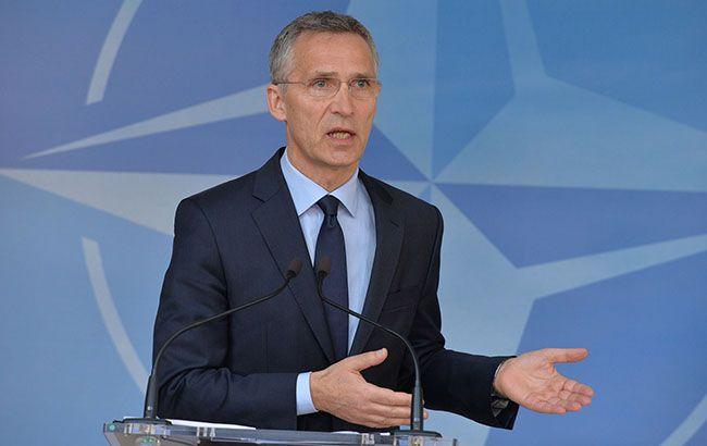 Столтенберг: НАТО продолжит политику сдерживания России