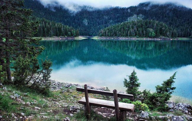 Отдых с комфортом: лучшие теплые источники Черногории для отпуска зимой