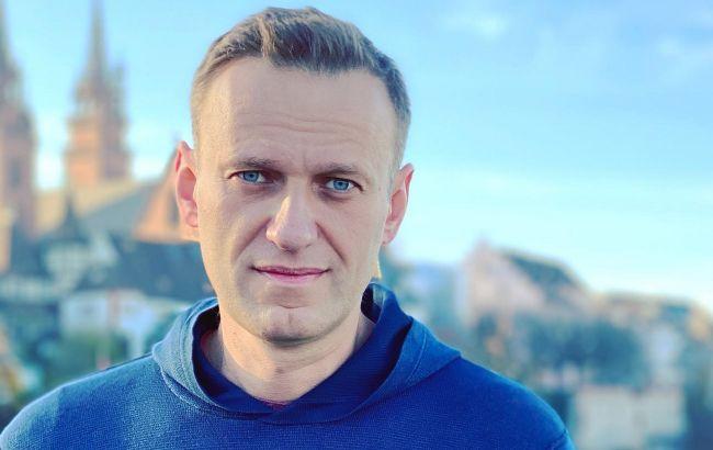 Навальний прилетів до Росії в аеропорту ажіотаж