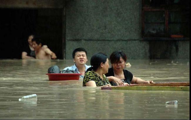Фото: китайці потерпають від повені