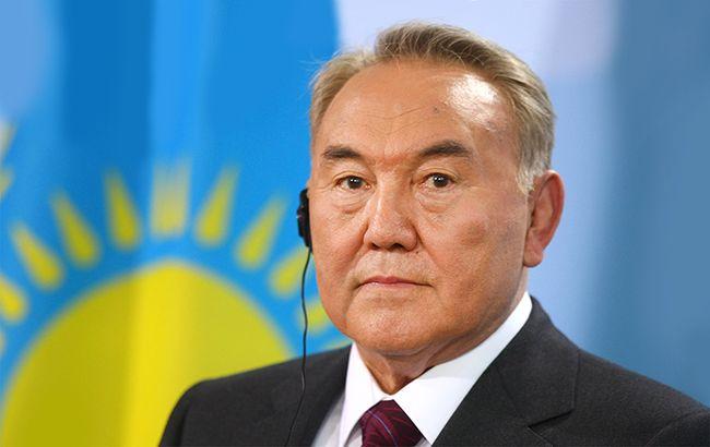 Фото: Назарбаєв скликав Радбез Казахстану через стрілянину в Алмати