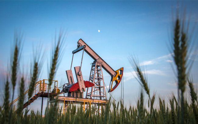 Фото: нафта Brent дешевшає