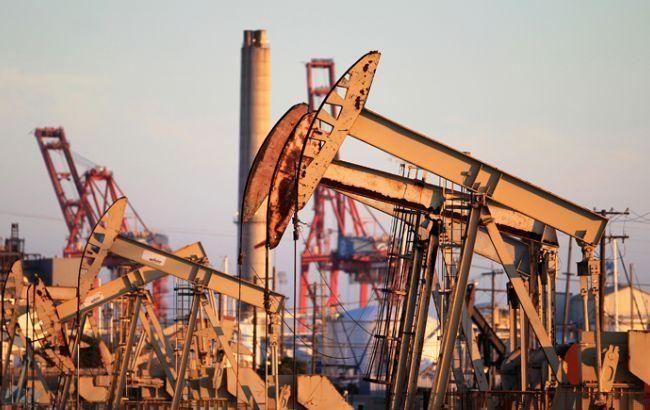Цена нефти Brent опустилась ниже 43 долларов за баррель
