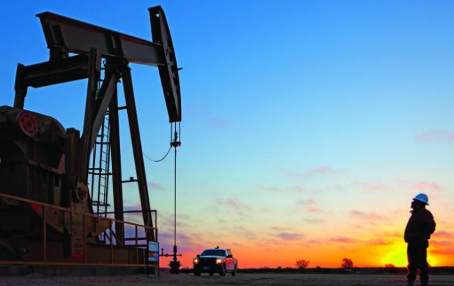 Фото: нефть в первой половине 2016 продолжит дешеветь