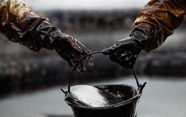 Цена нефти Brent опустилась ниже 55 долларов за баррель
