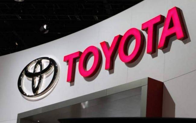 Чистая прибыль Toyota упала почтина 15%