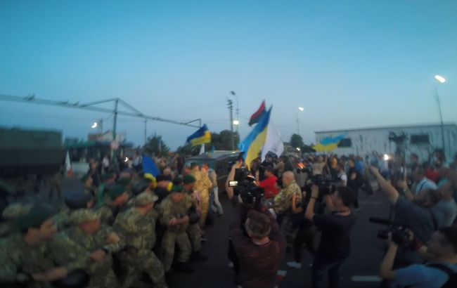 """Фото: зіткнення у """"Шегинях"""" (прес-центр ДПСУ)"""