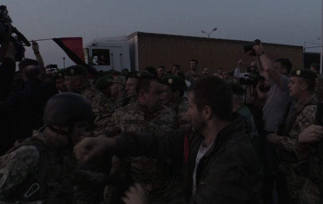"Фото: сутички в ""Шегинях"" (прес-центр ДПСУ)"