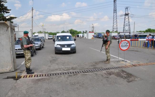 КПВВ на Донбассе за сутки пересекли почти 40 тыс. человек