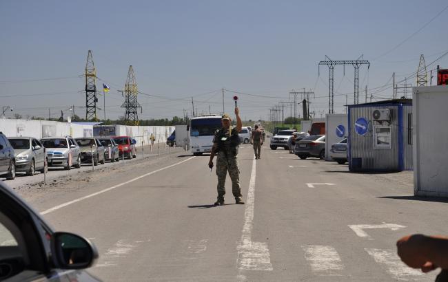 КПВВ на Донбасі за добу перетнули понад 42 тис. осіб