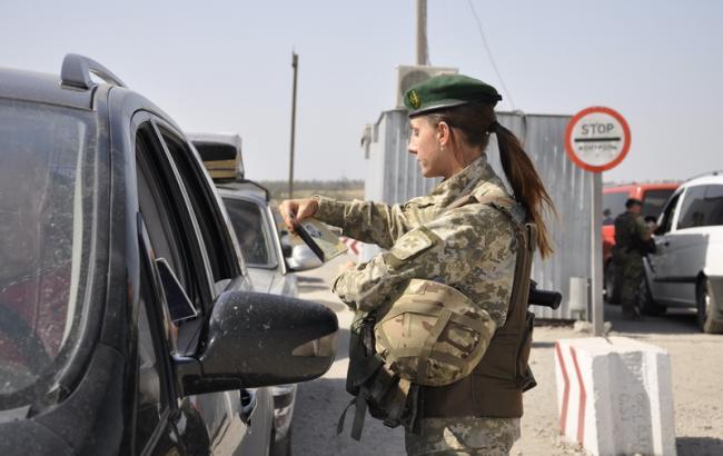 Пункты пропуска на Донбассе за сутки пересекли более 45 тыс. человек