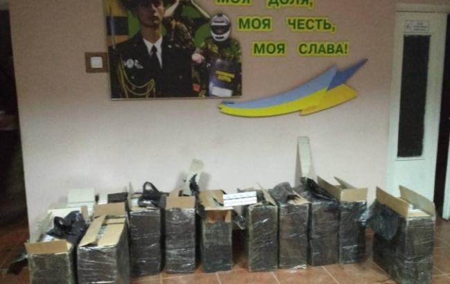У Закарпатській області прикордонники знайшли 6 тис. пачок контрабандних сигарет