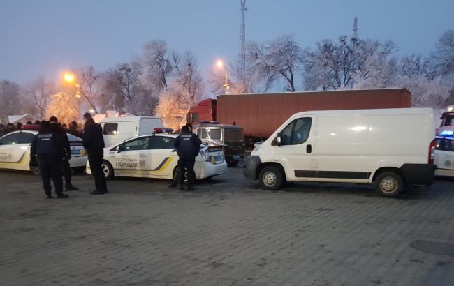 """Власники """"євроблях"""" досі блокують два пункти на кордоні зі Словаччиною"""